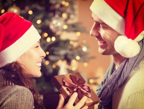 Романтичные подарки девушке на Новый год