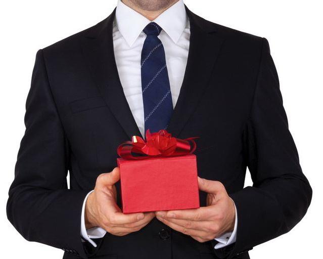 Недорогие подарки боссу