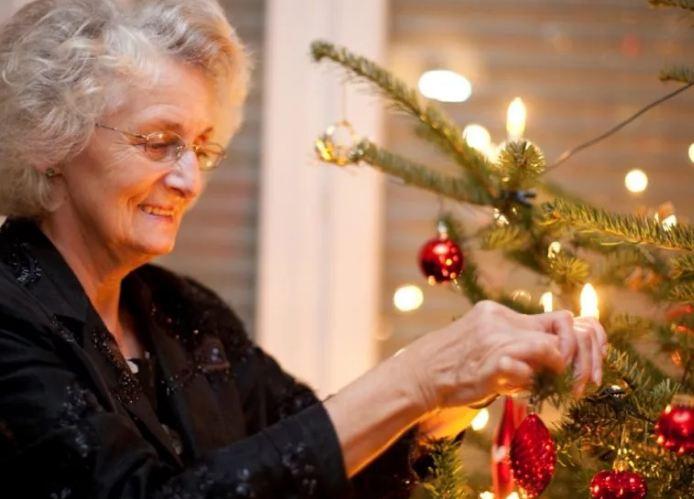 Новогодние подарки бабушке