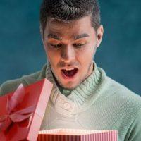 Что подарить мужчине на 23 февраля? Список идей
