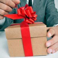 Как правильно ответить мужчине на подарок