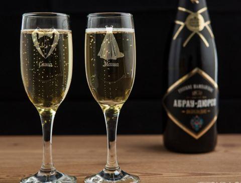 Бокалы для шампанского красива пара