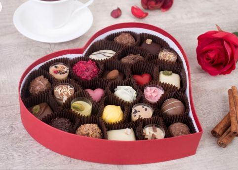 Шоколадные конфеты в именной коробке
