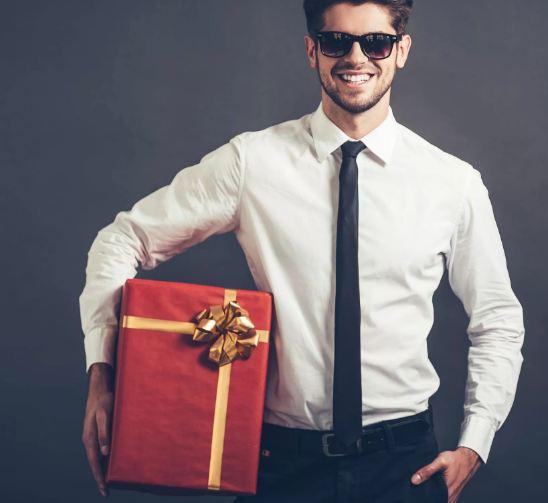 Что подарить богатому мужчине на День рождения
