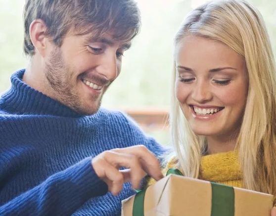 Что подарить мужчине родственнику на День рождения