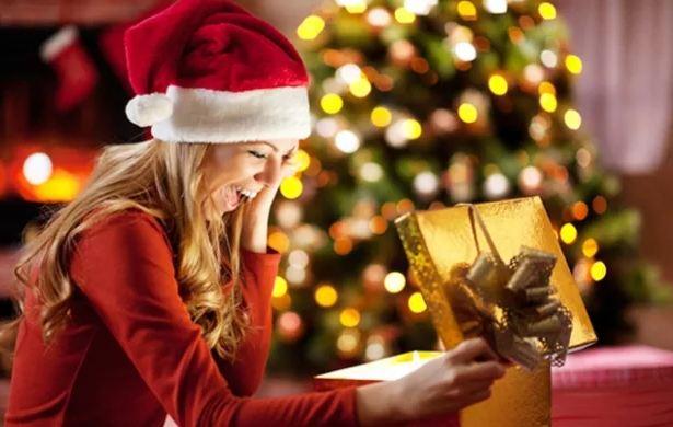 Что можно подарить женщине на Новый год