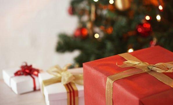 Что подарить друзьям на Новый год недорого