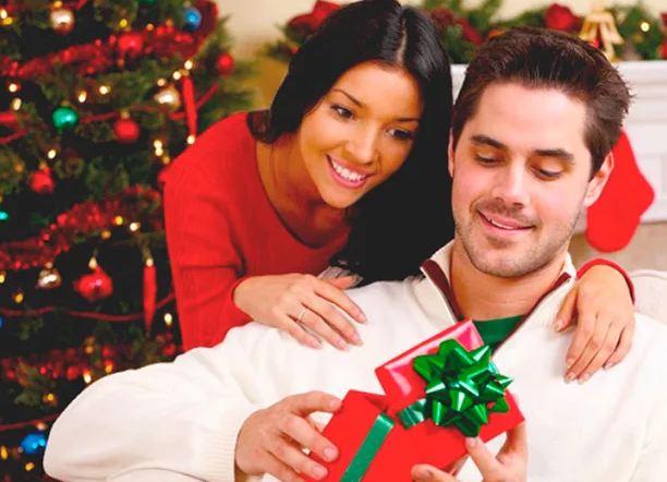 Что подарить парню на Новый год недорогие