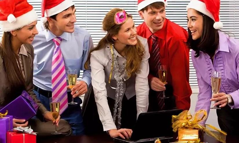 Что подарить коллегам и сотрудникам на Новый год?