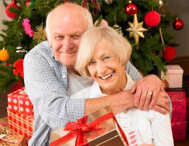 Что подарить родителям на Новый Год? Список идей