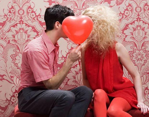 Что подарить женщине на День святого Валентина