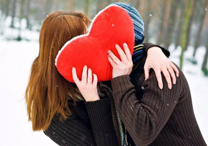 14 февраля: что подарить и как поздравить любимых мужчин