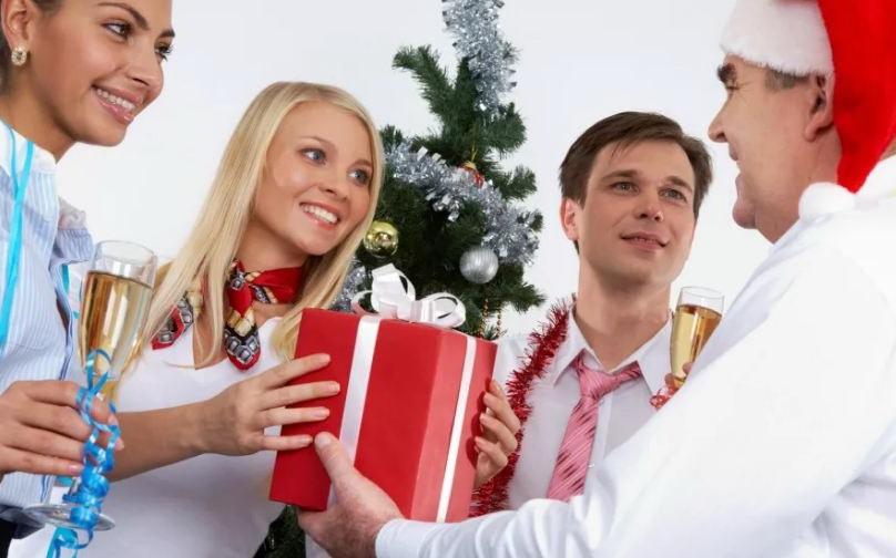 Vip подарки начальнику на Новый год
