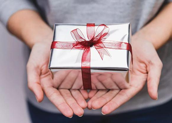 Что подарить другу на 23 февраля? Список идей