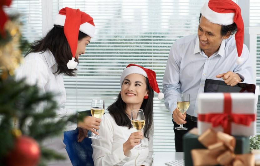 Подарки сотрудникам на Новый год