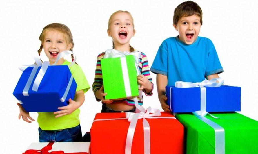 Что подарить своему однокласснику на день рождение?
