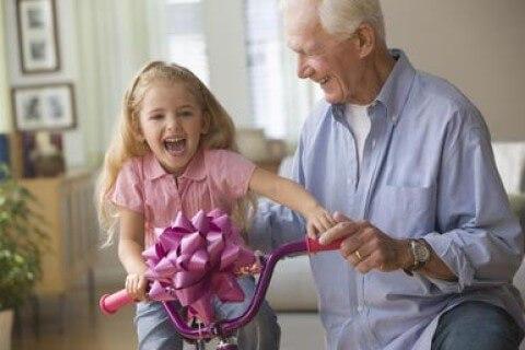Подарок внучке от дедушки