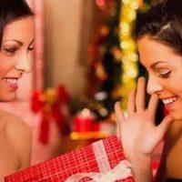 Что подарить сестре на Новый год? Более 50 интересных идей!