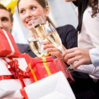 Оригинальные подарки коллегам и сотрудницам на 8 марта