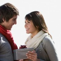 Что подарить любовнику на 23 февраля? Список идей