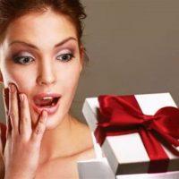 Что подарить женщине на День рождения? 100 интересных идей!